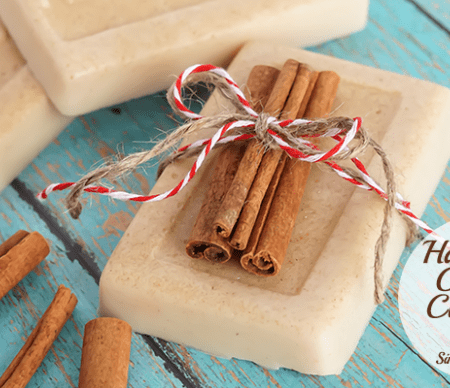 How to Make Soap With Oatmeal and Cinnamon