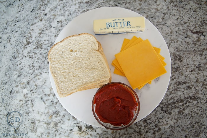 Better Than Pizza Grilled Cheese Sandwich - ingredients