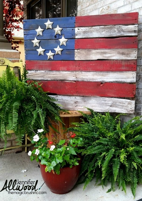 pallet-flag-with-paper-mache-stars-720x1024