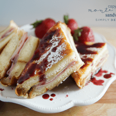 Copycat Monte Cristo Sandwich - a delicious sandwich you can easily make at home