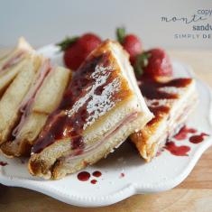 Copycat Monte Cristo Sandwich Recipe