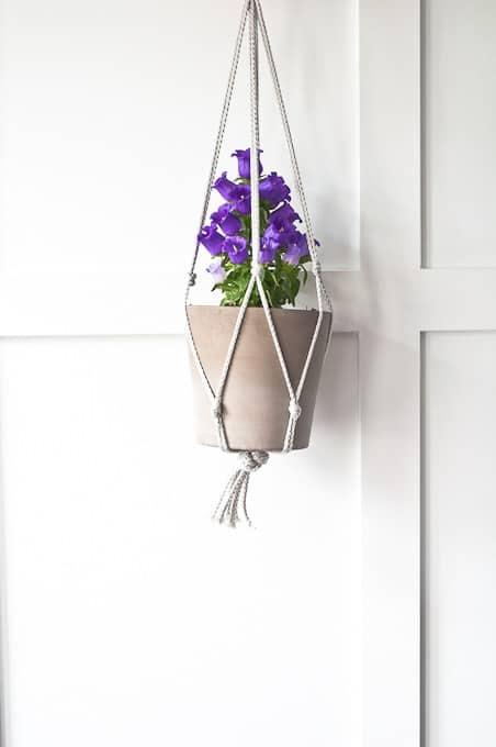 Easy-Macrame-Plant-Hanger-35