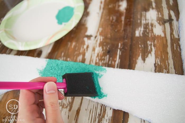 DIY Foam Frame - paint foam