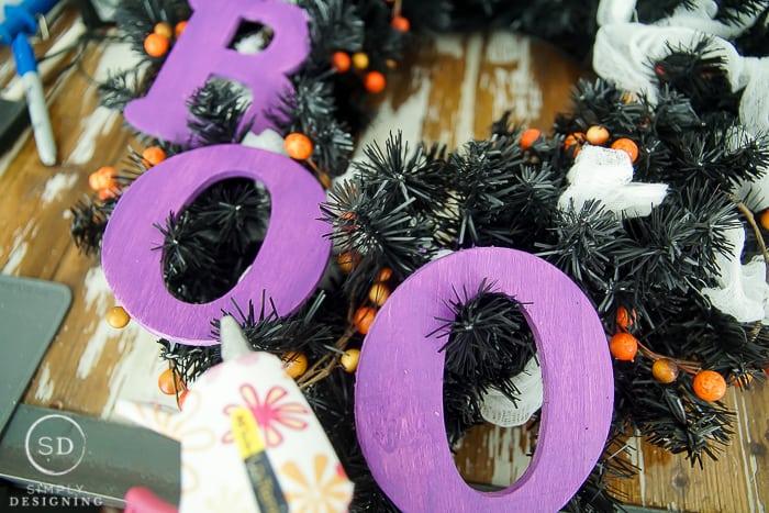 DIY Halloween Wreath - BOO