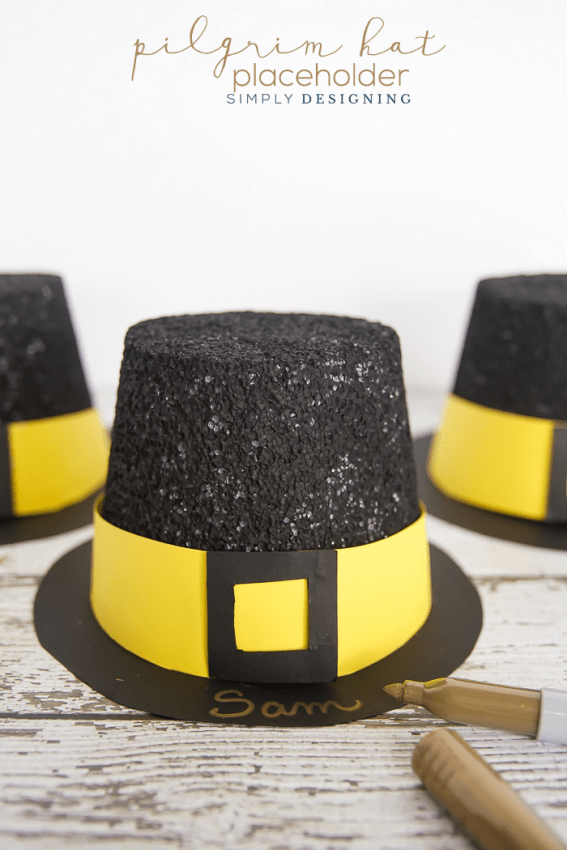 Pilgrim Hat Placeholders - a really fun and festive way to decorate your Thanksgiving table