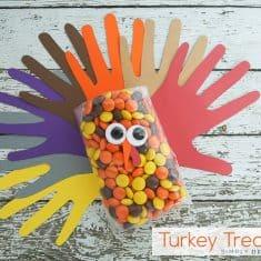 Handprint Turkey Treat Bags