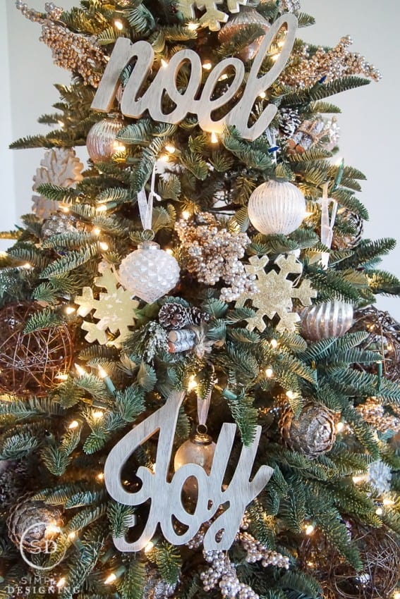 Farmhouse Christmas Tree