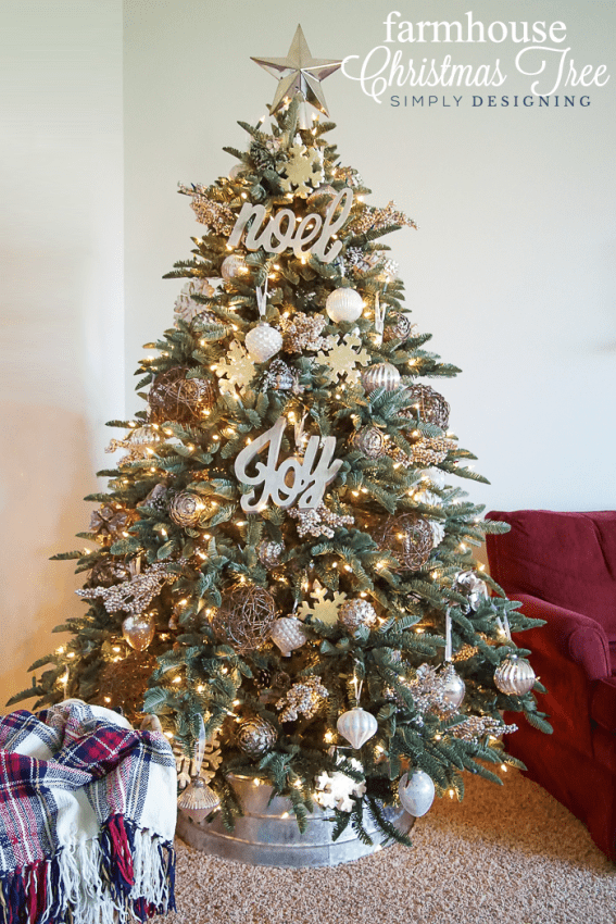 farmhouse christmas tree with silver white and gold ornaments - Farmhouse Christmas Tree Decorations