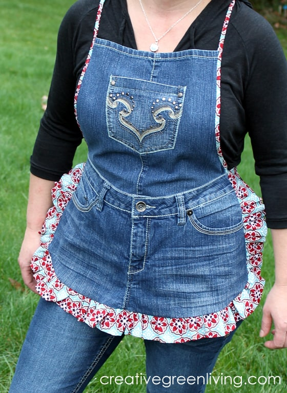 farm-girl-apron-from-old-jeans