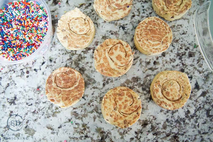 Sprinkle Cinnamon Rolls You Can Make in 20 Minutes