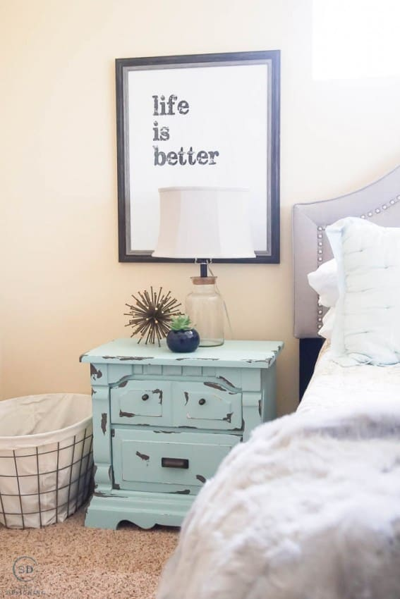 Master Bedroom : Before : with chippy paint nightstands