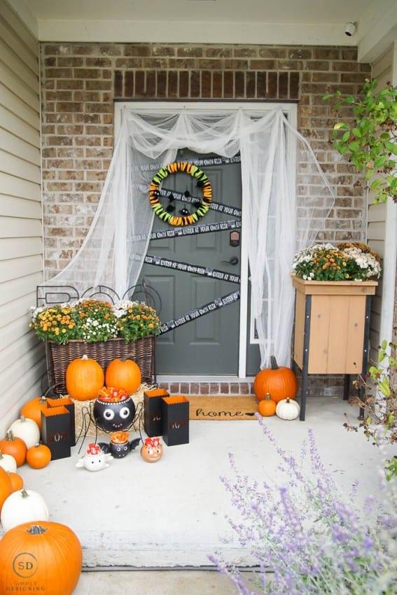 Beautiful Halloween Decor with lots of pumpkins