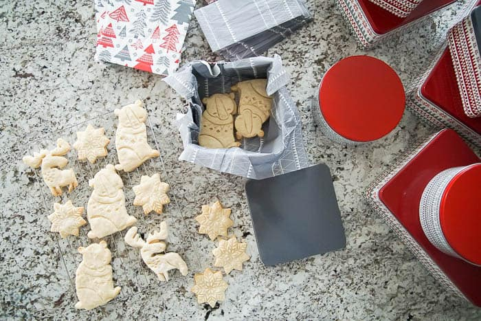 Easy Shorbread Cookies make great homemade Christmas Gifts