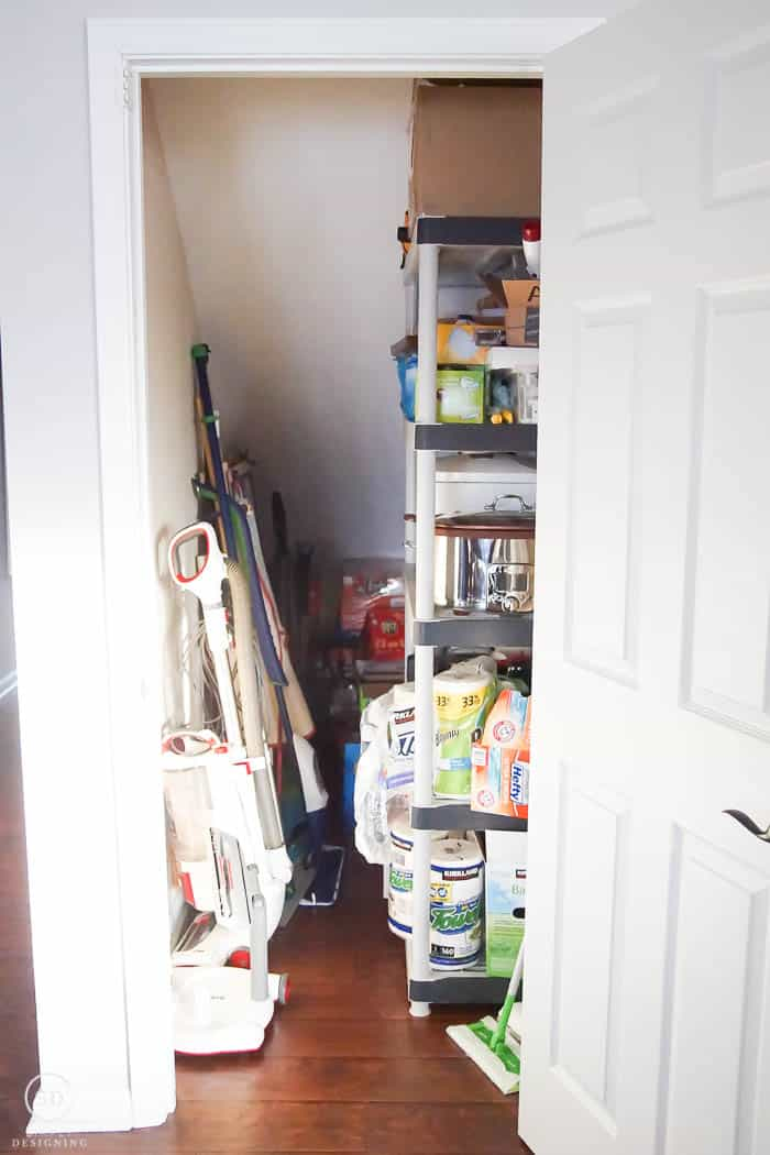 Closet under the stairs before
