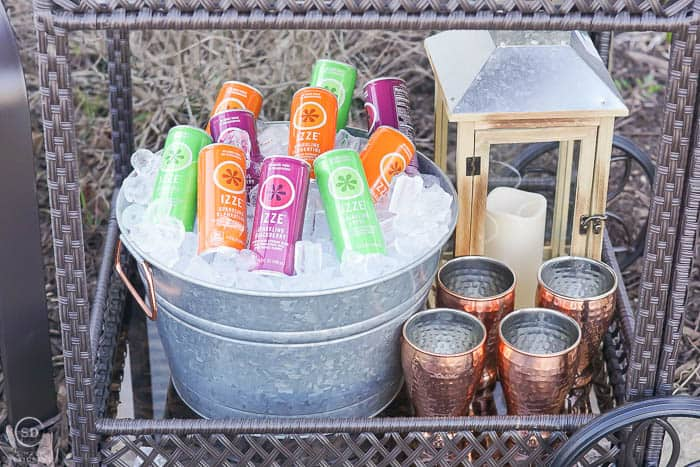outdoor entertaining drink station