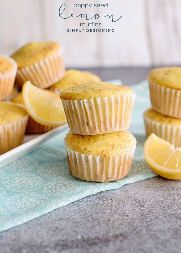 Delicious Lemon Muffins with Poppy Seeds