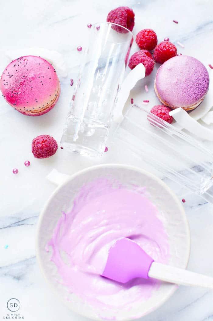 Raspberry Freakshake with Macaroons Ingredients