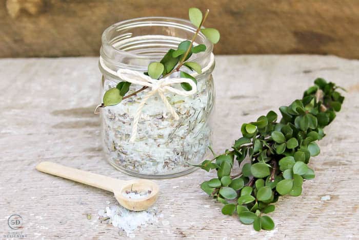 Easy Bath Salt Recipe for muscle support