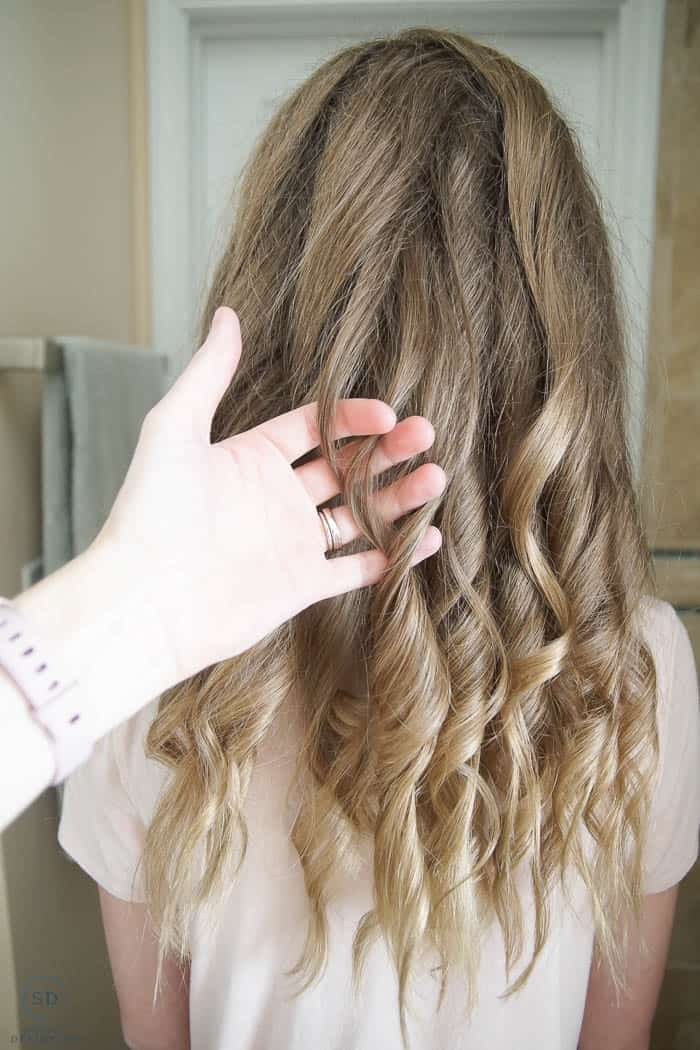 finger comb curls for beach waves