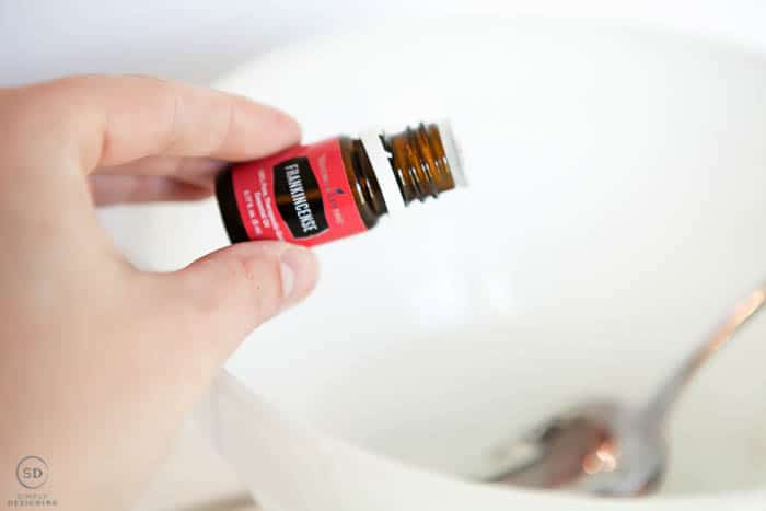 add frankincense essential oil to diy hand sanitizer