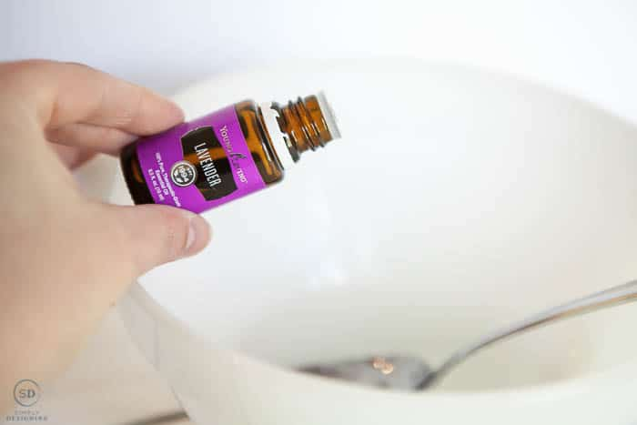 add lavender essential oil to diy hand sanitizer