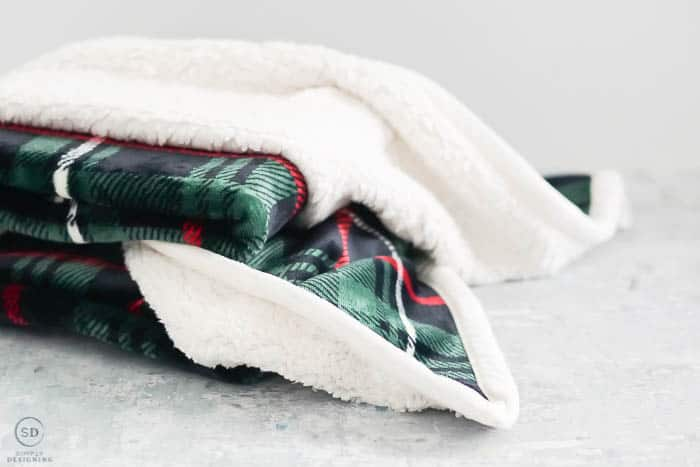 Christmas Gift Ideas Under $25 : plush plaid sherpa throw