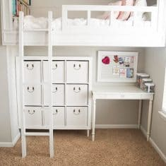 Organize girl's room