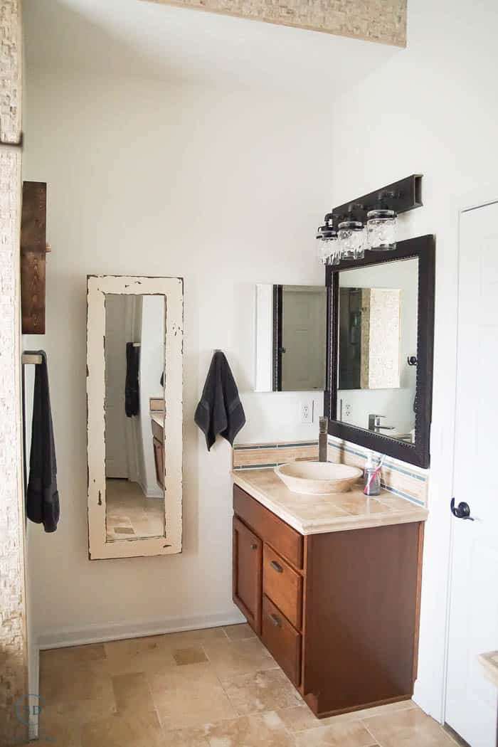 How to Paint a Wall - how to paint a master bathroom