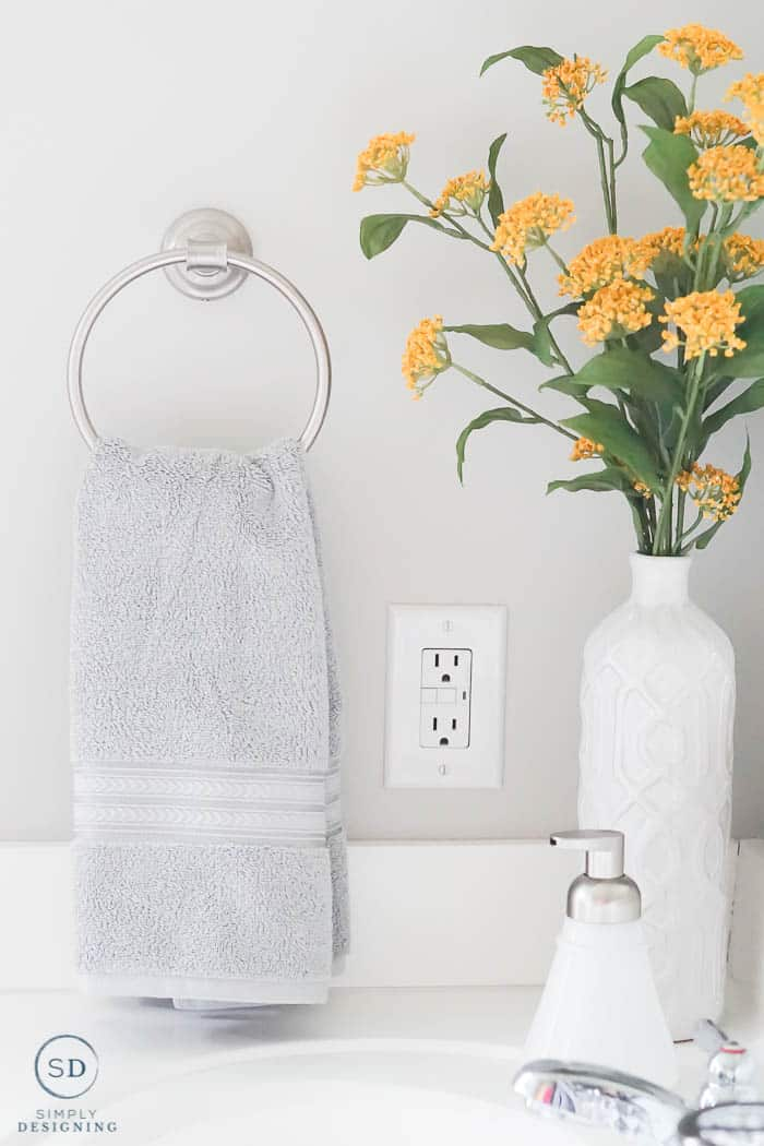 bathroom countertop decor