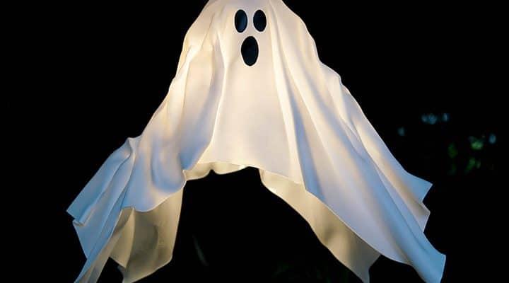 DIY Hanging Ghost Lantern