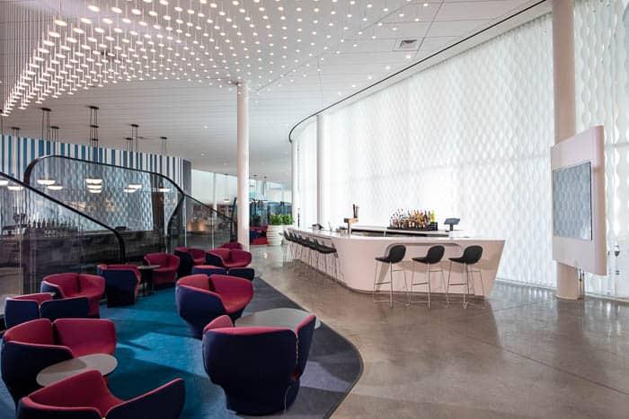 Modern Aventura Hotel Lounge at Universal Orlando