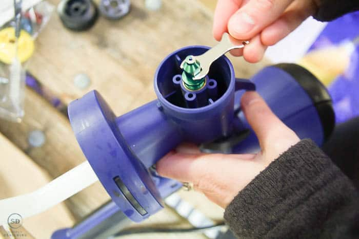 pur green nozzle on paint sprayer for latex paint